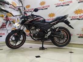 04 - Honda CB150R StreetFire thn 2015 mulus