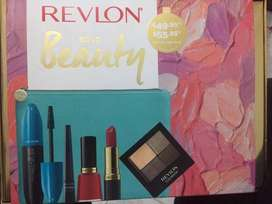 Branded Revlon Pouch with 5 things