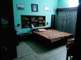 Room available for girls in sharing
