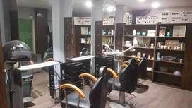 Unisex beauty parlour/ salon