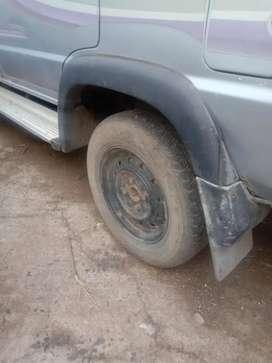 Toyota Qualis 2001 Diesel mak whell