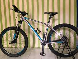 Sepeda Xtrada5 size M