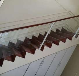 Railing tangga kaca dan balkon kaca $2723