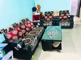New condition 5 seater sofa
