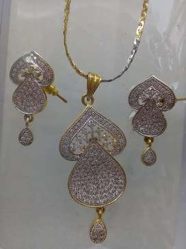 Latest Best Indian Jewellery gold Necklace complete set for Females