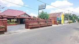 Rumah Joglo Dalam Benteng Kraton Jalan Depan Lebar Dekat Alun - Alun