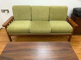 3+1+1 sofa set with table
