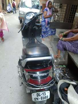 Good condition one hand scooty