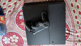 PlayStation 4 in mint condition for sale