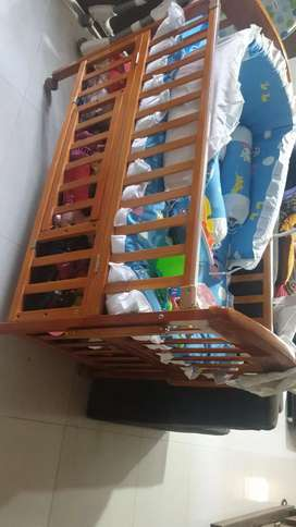 Mee mee cot for new born upto 8 years