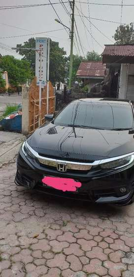 Dijual Honda Civic Turbo ES Prestige Warna Hitam Metalik triptonik