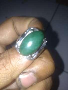 Cincin batu hijau