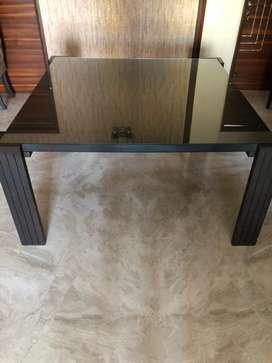 Dineing table