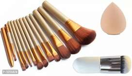 Professional brush set+beauty blender+puff rs.550