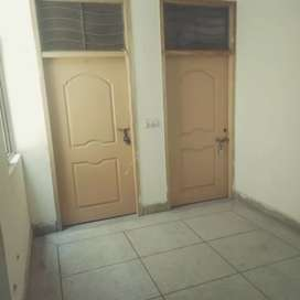 Gulberg Room available for boys
