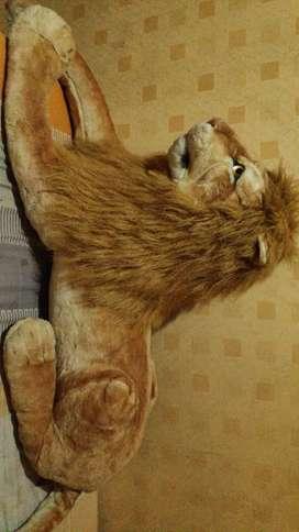 Boneka jumbo Liong King Singa u dekorasi indoor rumah