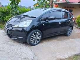 Honda jazz warna hitam