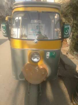 Sazgar 2010 rickshaw available in reasonable price