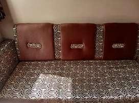 Sofa brand new(with sofa covor)