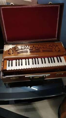 Looks good harmonium