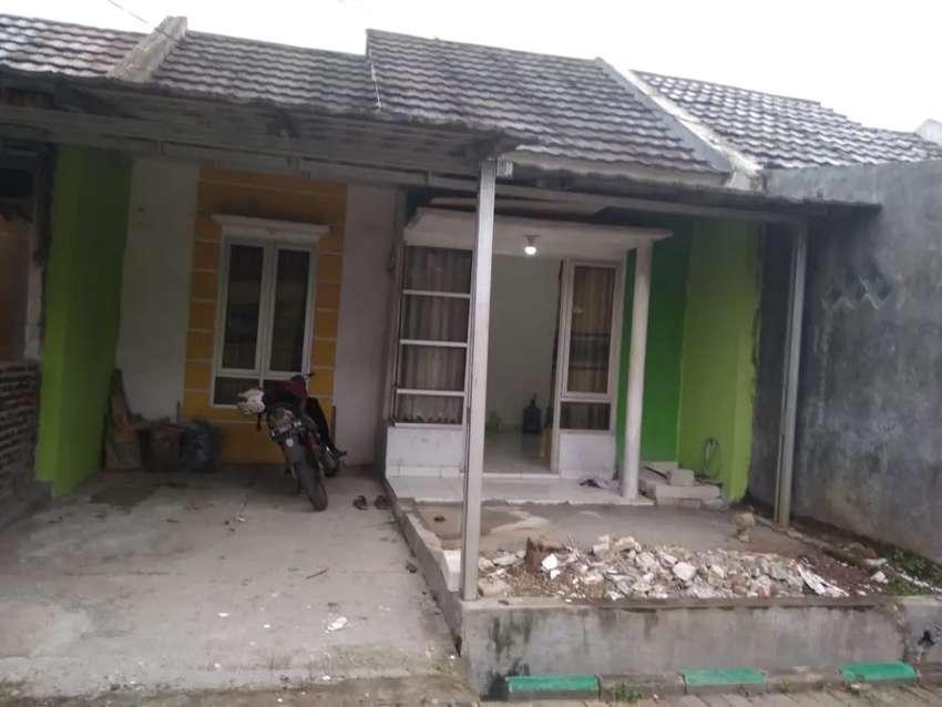 Di kontrakan rumah pertahun cluster 1 pintu gerbang utama 0