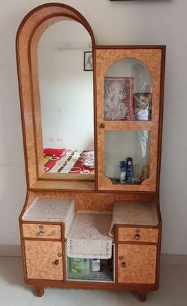 Selling of dressing table