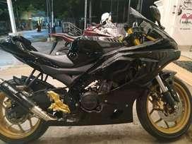 Yamaha r15 modif r1m