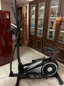 Aerofit crosstrainer cum cycle in excellent condition