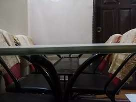 Dinning Table with 6 Chair In good Condition For sale