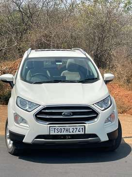 5 months old. Ford Ecosport top end with Sunroof