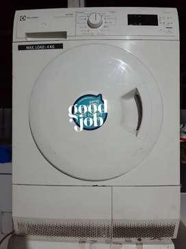 Karyawan laundry berpengalaman