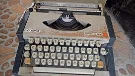 jual barang antik mesin ketik merek / OLIMPIYA