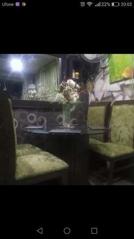 Four chair dinning table new condition urgent sale