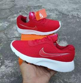 Sepatu fashion nike tanjun