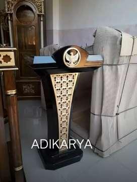 Podium pidato menteri presiden logo ukir garuda  (solid kayu jati).