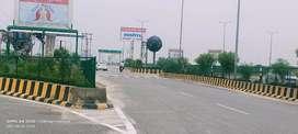 बिठूर रोड सिंहपुर तिराह से 1kmकी दूरी पर प्लॉट।नियर मटका चौराहा।