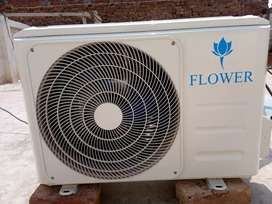 Flower ac 1.5 ton heat and cool only 4 month use