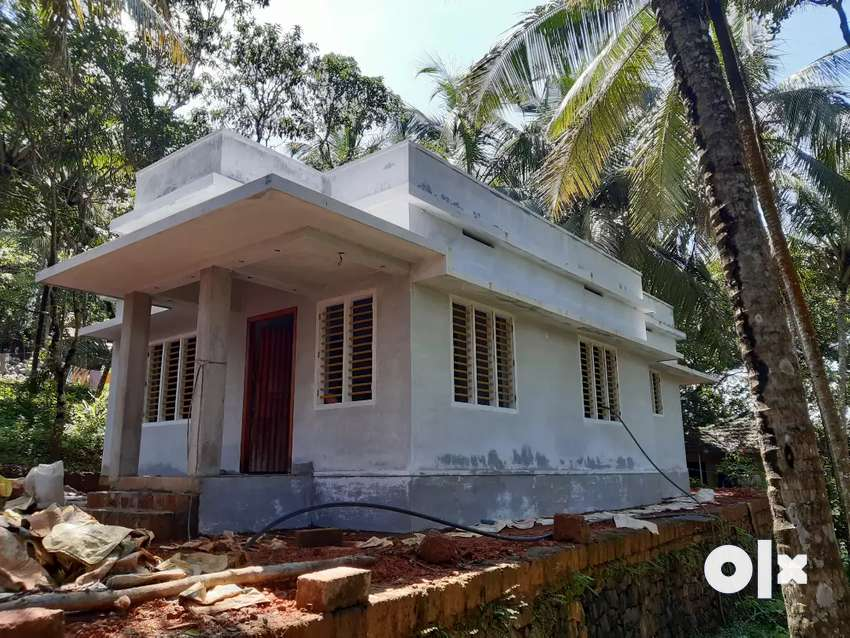 New House in perumanna 24 lacs only 0