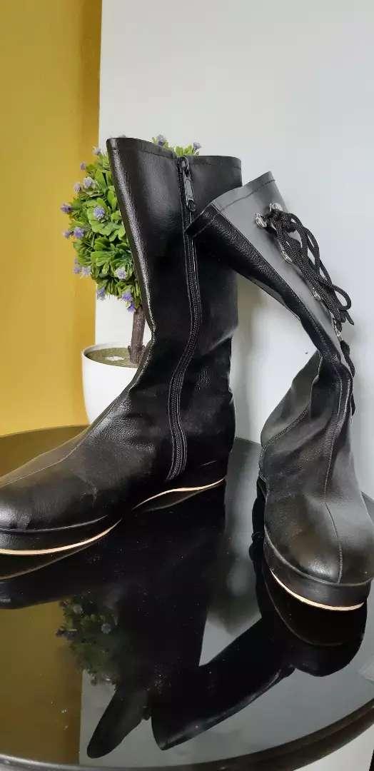 Sepatu boots anak hitam 0