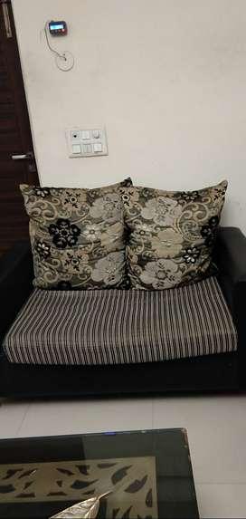 Four-Seater Black Sofa 2+1+1