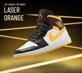 Sepatu WMNS Air Jordan 1 Mid Laser Orange