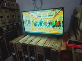 52 BRAND NEW FHD SMART LED TV WITH UTUBE FACEBOOK FEATURES